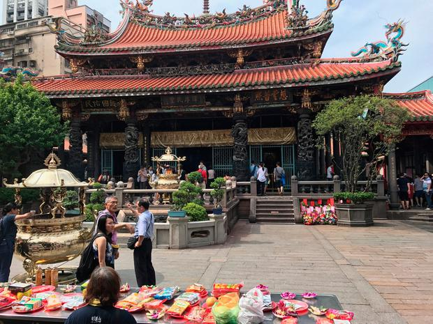 The stunning Lungshan temple, built in 1738