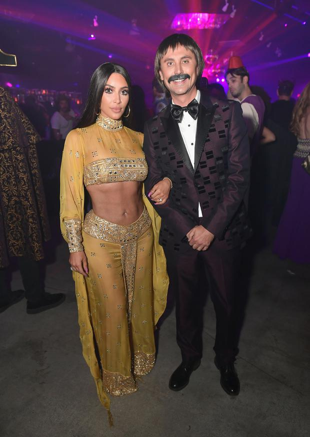 LOS ANGELES, CA - OCTOBER 27: Kim Kardashian (L) and Jonathan Cheban attend Casamigos Halloween Party on October 27, 2017 in Los Angeles, California. (Photo by Neilson Barnard/Getty Images for Casamigos Tequila)
