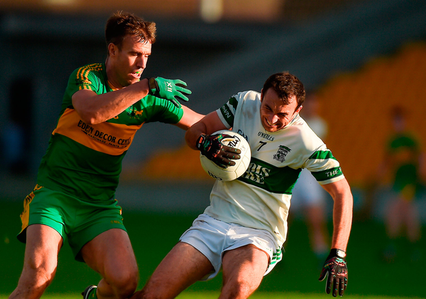 Gareth Dillon of Portlaoise in action against Alan McNamee of Rhode. Photo by Matt Browne/Sportsfile