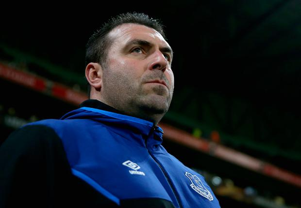 David Unsworth, Caretaker Manager of Everton looks on prior to the UEFA Europa League group E match between Olympique Lyon and Everton FC at Stade de Lyon on November 2, 2017 in Lyon, France. (Photo by Dan Istitene/Getty Images)