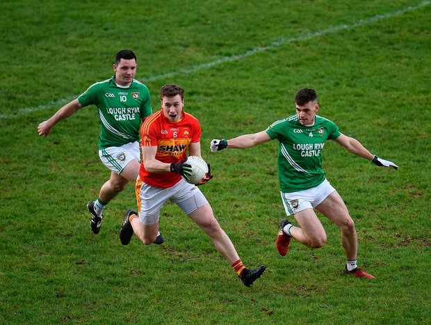 4 November 2017; Eoghan OReilly of Castlebar Mitchels in action against Daniel Beck, left, and Oisin Madden of Mohill during the AIB Connacht GAA Football Senior Club Championship Quarter-Final match between Castlebar Mitchels and Mohill at Elvery's MacHale Park in Castlebar, Co Mayo. Photo by Seb Daly/Sportsfile