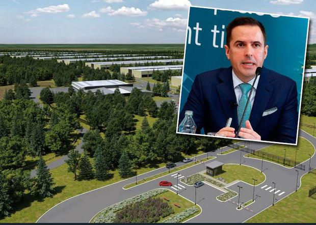 The head of the IDA, Martin Shanahan (inset), has said that tech giant Apple has not definitively ruled out building its €850m data centre in a Co Galway plan.