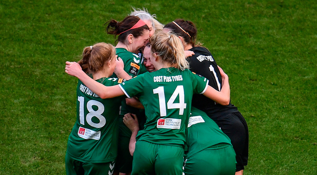 5 November 2017; Cork City WFC players celebrate at the final whistle following the Continental Tyres FAI Women's Cup Final match between Cork City WFC and UCD Waves at Aviva Stadium in Dublin. Photo by Sam Barnes/Sportsfile