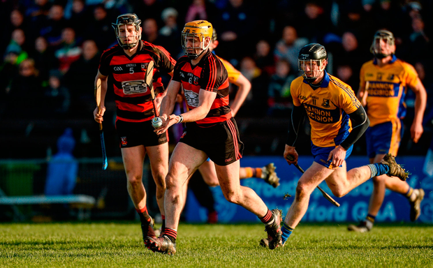 Wayne Hutchinson of Ballygunner gets away from Niall Gilligan of Sixmilebridge. Photo by Piaras Ó Mídheach/Sportsfile