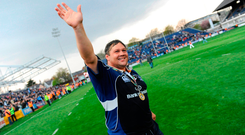 Ollie le Roux acknowledges fans after playing his final home game for Leinster in 2008 before his return a year later. Picture credit; Stephen McCarthy / SPORTSFILE