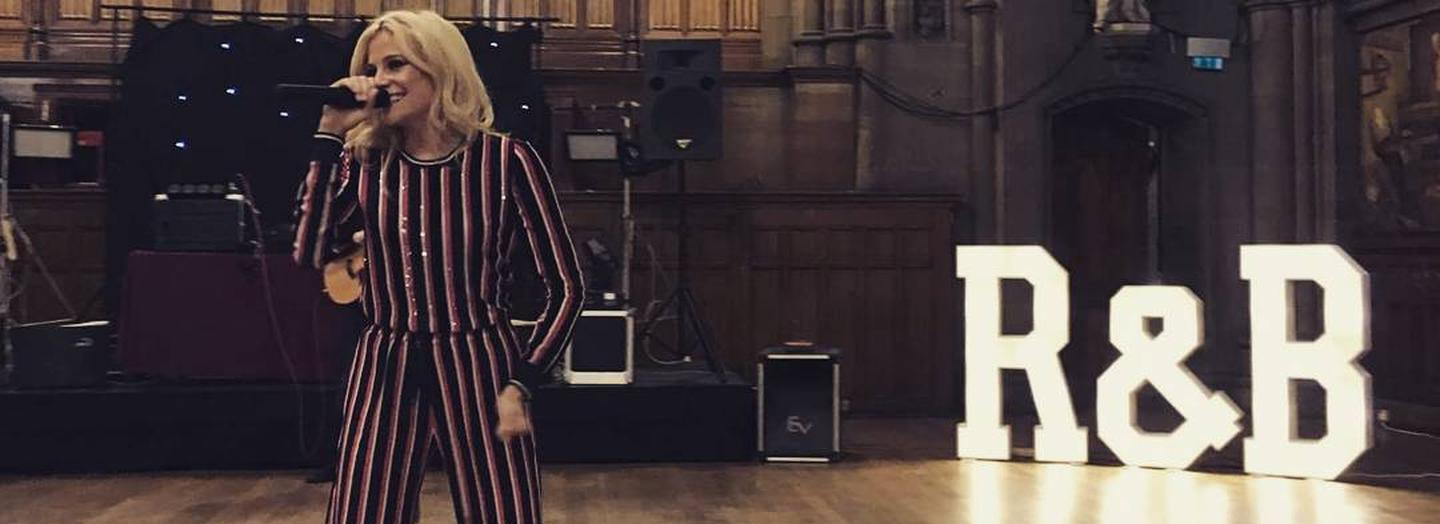 Pixie gave a surprise performance at a wedding at Manchester Town Hall. Photo by littlemissoakes, Instagram