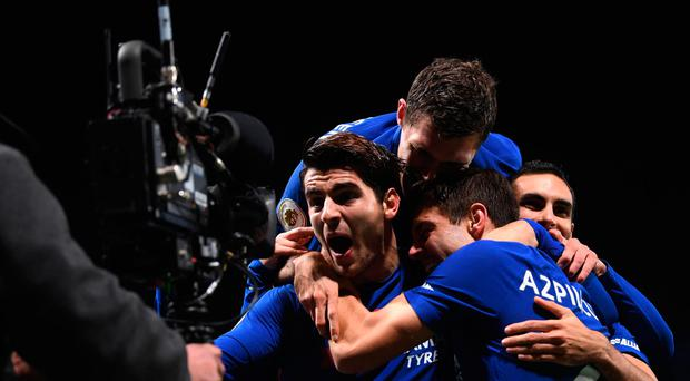 Alvaro Morata of Chelsea celebrates scoring his sides first goal with his Chelsea team mates during the Premier League match between Chelsea and Manchester United at Stamford Bridge on November 5, 2017 in London, England. (Photo by Darren Walsh/Chelsea FC via Getty Images)