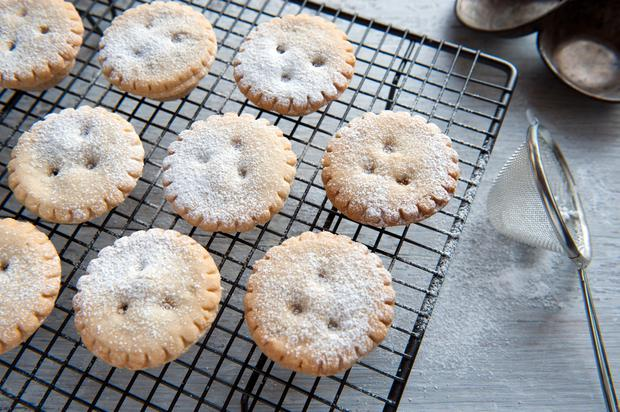 Expected: Mince pies