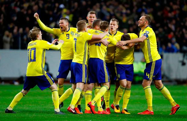 Soccer Football - 2018 World Cup Qualifications - Europe - Sweden vs Italy - Friends Arena, Stockholm, Sweden - November 10, 2017 Sweden's Jakob Johansson celebrates scoring their first goal with team mates. REUTERS/Kai Pfaffenbach