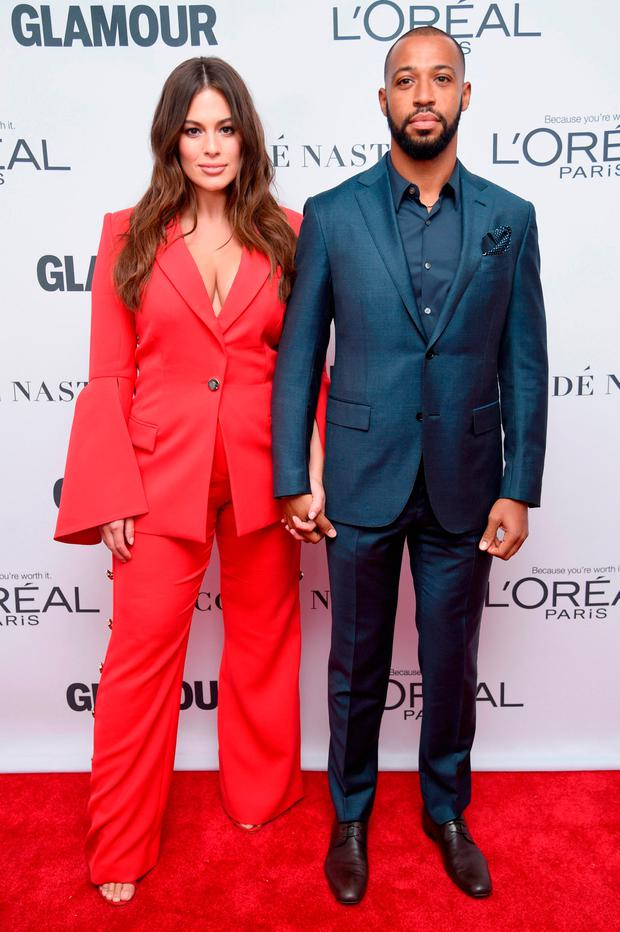Ashley Graham and Justin Ervin attend Glamour's 2017 Women of The Year Awards at Kings Theatre on November 13, 2017 in Brooklyn, New York. (Photo by Dimitrios Kambouris/Getty Images for Glamour)