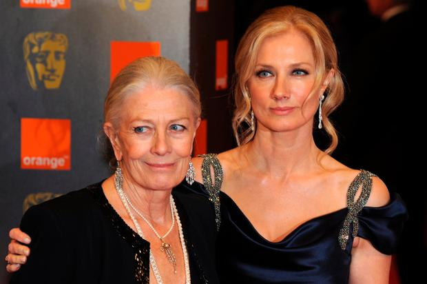 British actress Vanessa Redgrave (L) arrives with her daughter actress Joely Richardson for the British Academy of Film Awards (BAFTA) at the Royal Opera House in central London, on February 21, 2010