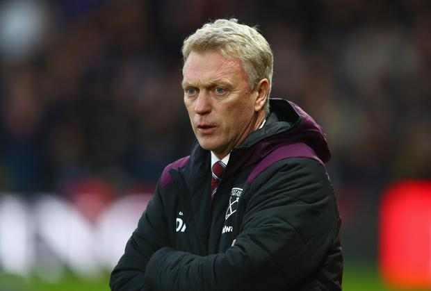 David Moyes, Manager of West Ham United looks on prior to the Premier League match between Watford and West Ham United at Vicarage Road on November 19, 2017 in Watford, England. (Photo by Clive Rose/Getty Images)
