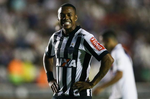 Robinho of Atletico MG reacts during a match between Vasco da Gama and Atletico MG as part of Brasileirao Series A 2017 at Sao Januario Stadium on November 15, 2017 in Rio de Janeiro, Brazil. (Photo by Buda Mendes/Getty Images)