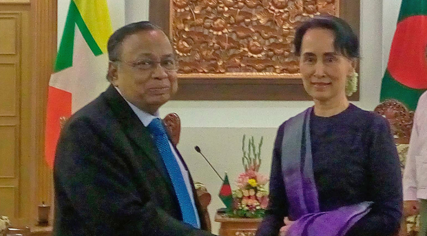 Myanmar's civilian leader Aung San Suu Kyi and Bangladesh foreign minister Abul Hassan Mahmood Ali. Photo: Getty Images