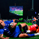 Isa Nacewa of Leinster scores his side's second try