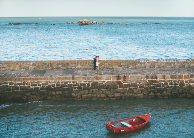 Couple on Dalkey Pier | Photo by Conor Brennan Photography