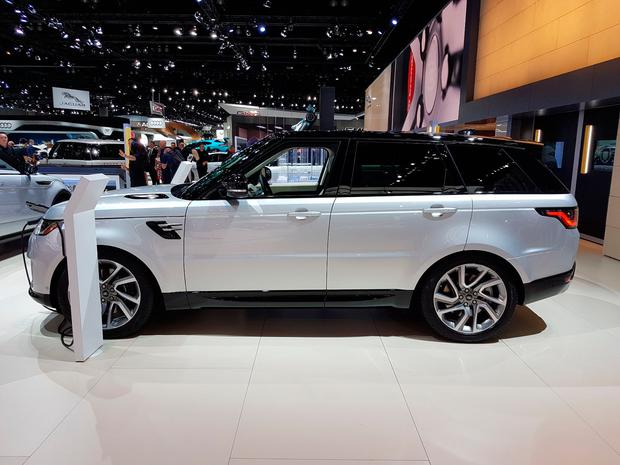 RANGE ROVER PHEV at the LA Motor Show. Pic: Eddie Cunningham