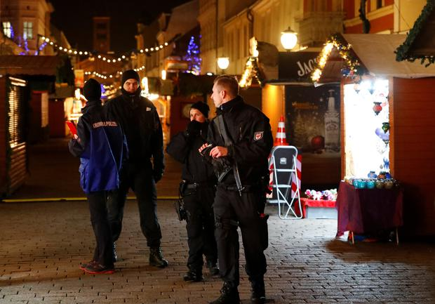 Police have evacuated a Christmas market and the surrounding area in the German city of Potsdam, near Berlin