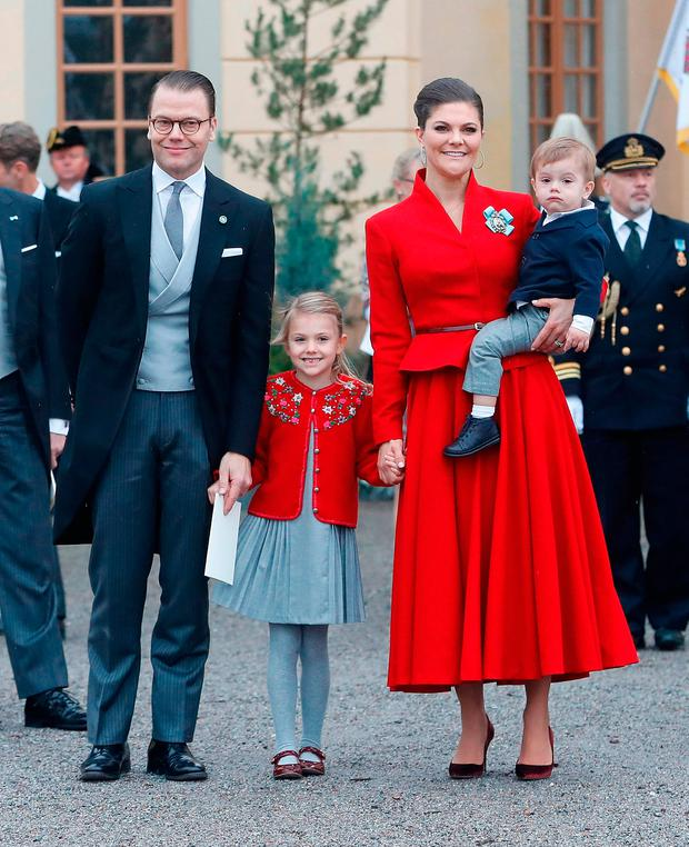 (L-R) Prince Daniel, Duke of Vastergotland, Princess Estelle, Duchess of Ostergotland, Victoria, Crown Princess of Sweden and Prince Oscar, Duke of Skane leave the chapel after the christening of Prince Gabriel of Sweden at Drottningholm Palace Chapel on December 1, 2017 in Stockholm, Sweden. (Photo by Michael Campanella/Michael Campanella/Getty Images)