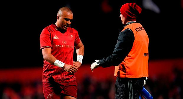 Simon Zebo of Munster reacts after picking up a knock during the Guinness PRO14 Round 10 match between Munster and Ospreys at Irish Independent Park in Cork. Photo by Stephen McCarthy/Sportsfile