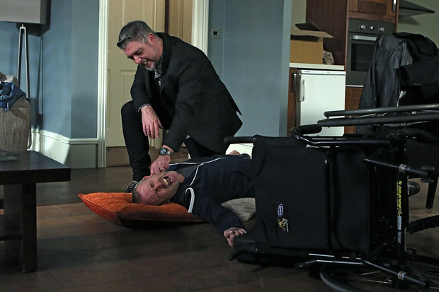 Robbie attacks Dan in Fair City tonight