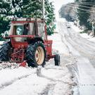 Pat McGuinness clearing snow from a road in Claremorris, Co. Mayo. Photo : Keith Heneghan