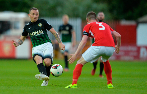 Gary McCabe, pictured in action (l) for Bray Wanderers against St Pat's last season. Photo by Piaras Ó Mídheach/Sportsfile