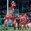 Ulster Rugby collect line out ball against Harlequins. Photo credit: Nigel French/PA Wire