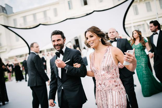 Eva Longoria and her husband Jose Baston attend the amfAR Gala Cannes 2017 at Hotel du Cap-Eden-Roc on May 25, 2017 in Cap d'Antibes, France. (Photo by Gareth Cattermole/Getty Images for L'Oreal Paris)