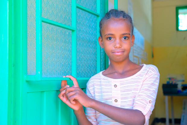 Leensa (9) came to the deaf school with little communication and just three weeks later she had developed sign language