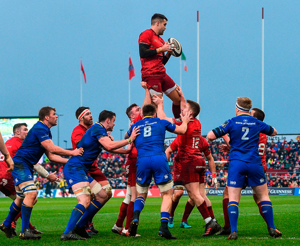 Munster scrum-half Conor Murray wins possession in a lineout during yesterday's clash with Leinster at Thomond Park. Photo by Ramsey Cardy/Sportsfile