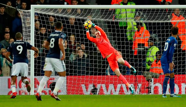 Everton's Jordan Pickford is tested early on. Photo: REUTERS