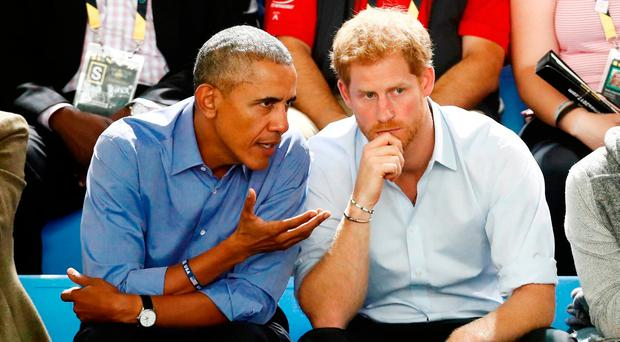 Obama warns Harry about dangers of social media