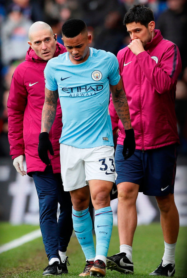 Gabriel Jesus limps off the pitch against Crystal Palace