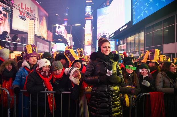 NEW YORK, NY - DECEMBER 31: Maria Menounos hosts Maria Menounos and Steve Harvey Live from Times Square at Marriott Marquis Times Square on December 31, 2017 in New York City. (Photo by Dimitrios Kambouris/Getty Images for MM)