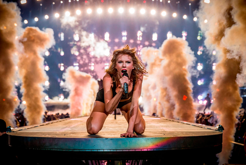 Taylor Swift performs onstage during The 1989 World Tour Live In Los Angeles at Staples Center on August 21, 2015 in Los Angeles, California. (Photo by Christopher Polk/Getty Images for TAS)