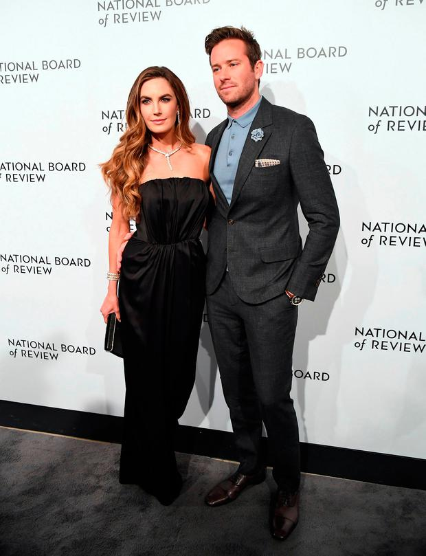 Actor Armie Hammer (R) and his wife Elizabeth Chambers attend the 2018 National Board of Review Awards Gala at Cipriani 42nd Street on January 9, 2018 in New York City. / AFP PHOTO / ANGELA WEISSANGELA WEISS/AFP/Getty Images