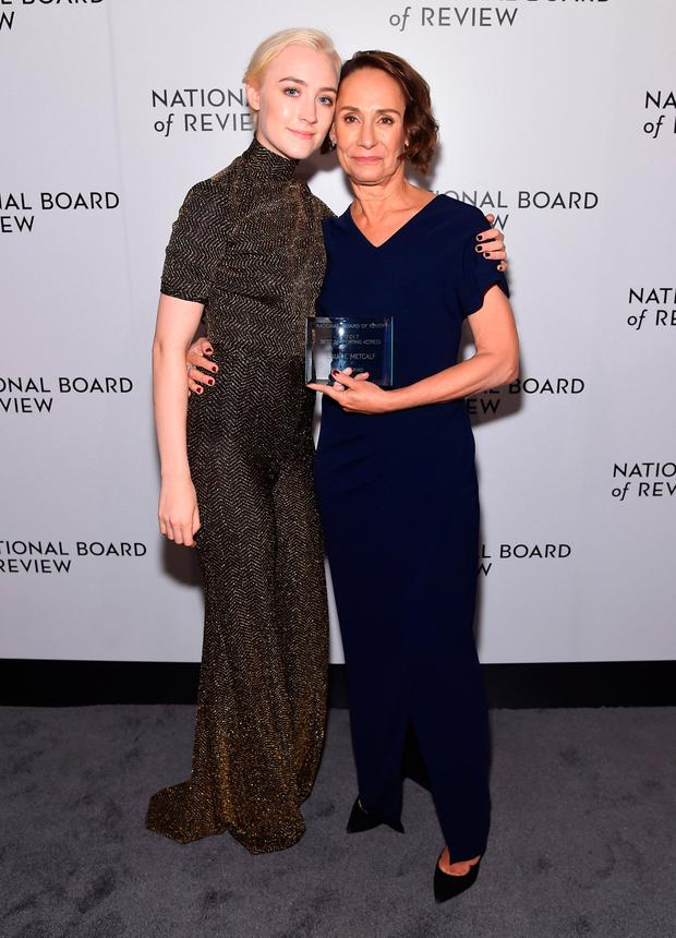 Laurie Metcalf poses with presenter Saoirse Ronan during the National Board of Review Annual Awards Gala at Cipriani 42nd Street on January 9, 2018 in New York City. (Photo by Jamie McCarthy/Getty Images for National Board of Review)