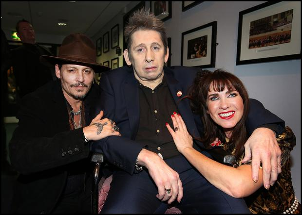 Johnny Depp, Shane and Victoria backstage