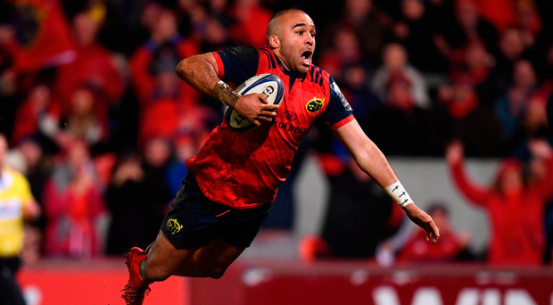 Simon Zebo does a flying dive as he goes over for Munster's fourth try Photo: Stephen McCarthy/Sportsfile