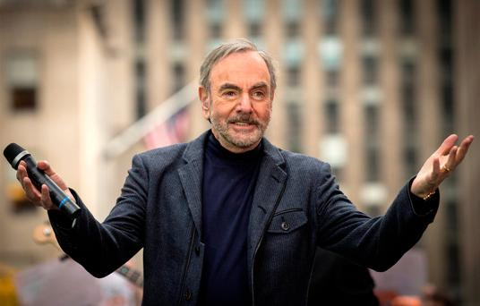 Neil Diamond has Parkinson's disease, cancels his tour