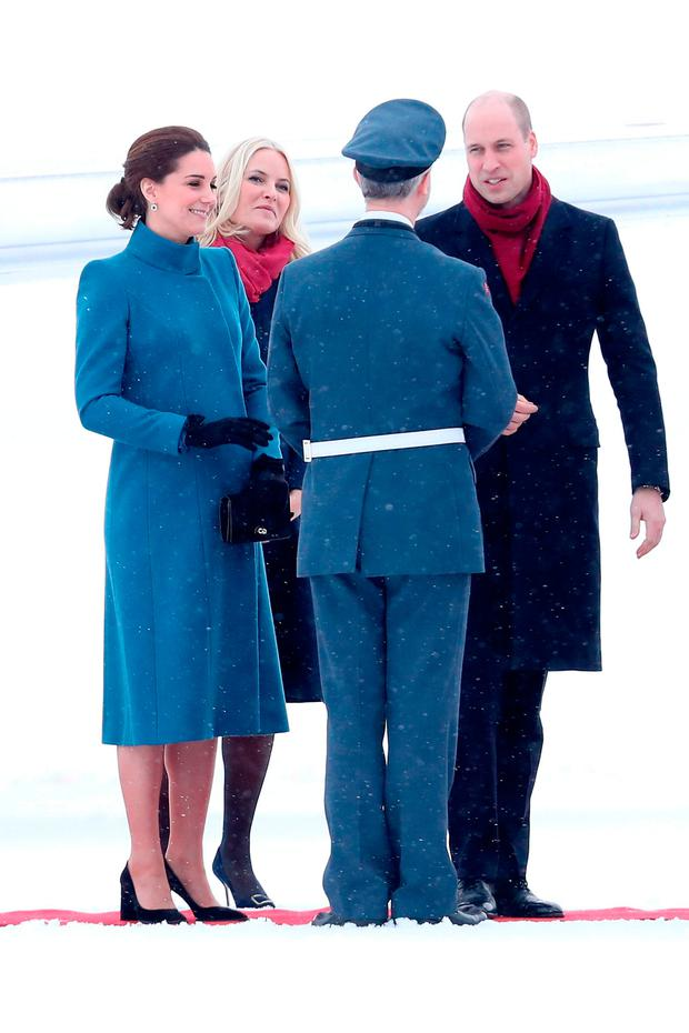 Prince William, Duke of Cambridge and Catherine, Duchess of Cambridge arrive to Oslo Gardermoen Airport to meet with Crown Prince Haakon and Crown Princess Mette-Marit of Norway on day 3 of their visit to Sweden and Norway on February 1, 2018 in Oslo, Norway. (Photo by Chris Jackson/Chris Jackson/Getty Images)