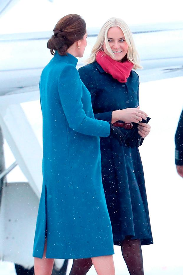 Catherine, Duchess of Cambridge is greeted by Crown Princess Mette-Marit of Norway as she arrives to Oslo Gardermoen Airport on day 3 of their visit to Sweden and Norway on February 1, 2018 in Oslo, Norway. (Photo by Chris Jackson/Chris Jackson/Getty Images)