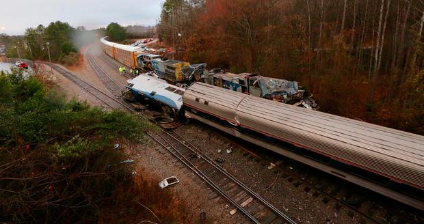 Authorities investigate the scene of the fatal Amtrak train crash in Cayce, South Carolina. Photo: AP
