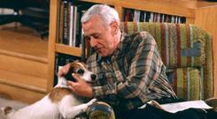 John Mahoney as Marty in Frasier, with Eddie (played by Moose)