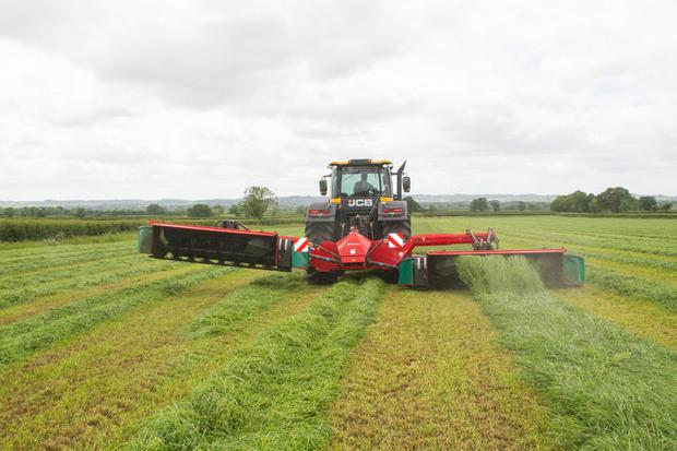 Kverneland says new mowing tech ensures the mower is always utilising its maximum capacity. Image: Kverneland