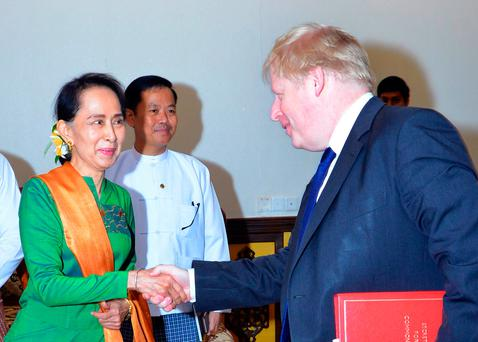 Johnson presses Suu Kyi on Rohingya plight