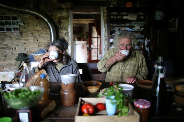 French farmer Jean-Bernard Huon, 70, and his companion Laurence have lunch at their farm in Riec-sur-Belon, France, October 5, 2017. REUTERS/Stephane Mahe.