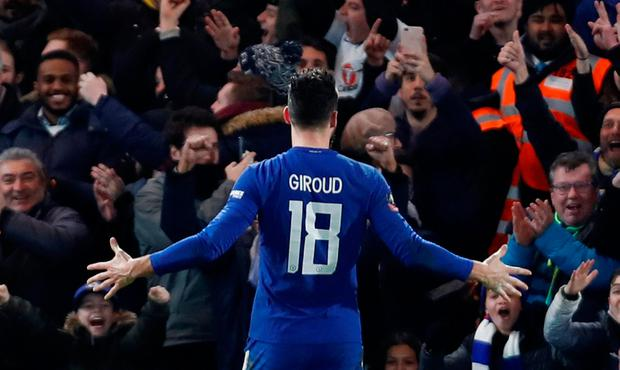 watch e1533 f11d2 Giroud scores first Chelsea goal as Blues prove too strong ...