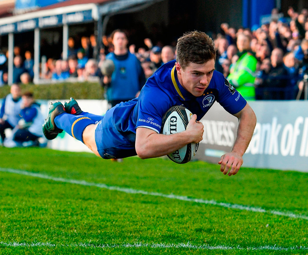 Leinster's Luke McGrath dives over to score his side's third try. Photo: Brendan Moran/Sportsfile